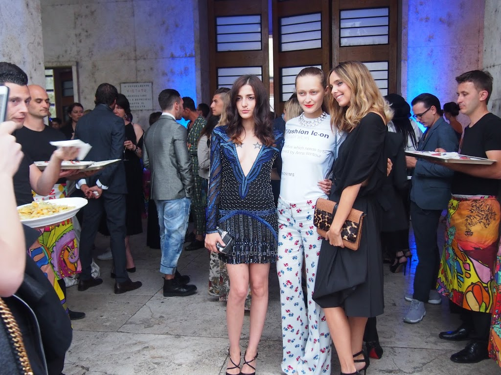 Daria Shapovalova from Kiev, Candela Novembre and Eleonora Carisi at Firenze4ever event Luisaviaroma