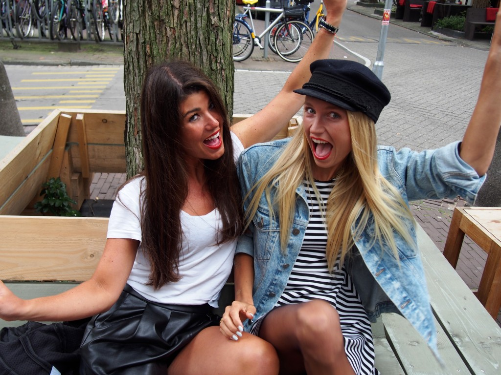 Kunna Haan en Chloe Sterk interview Kantor, Amsterdam Open Air en Valhalla bij Mem's Amsterdam