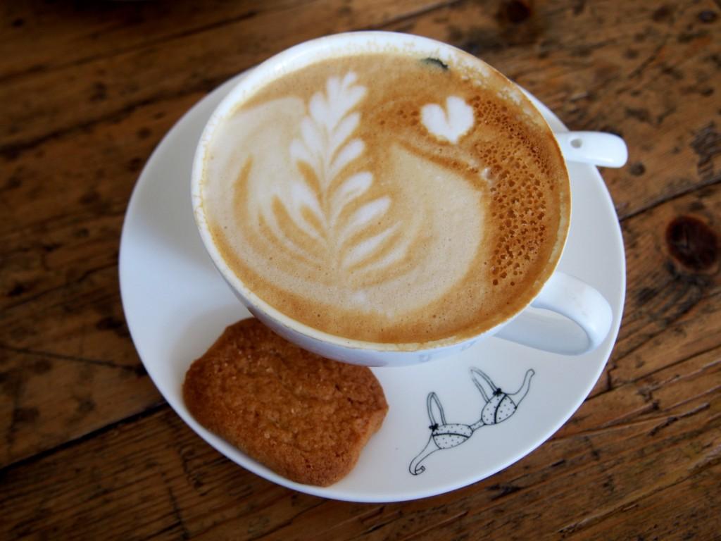 Coffee art latte bij Bairro Alto Nijmegen