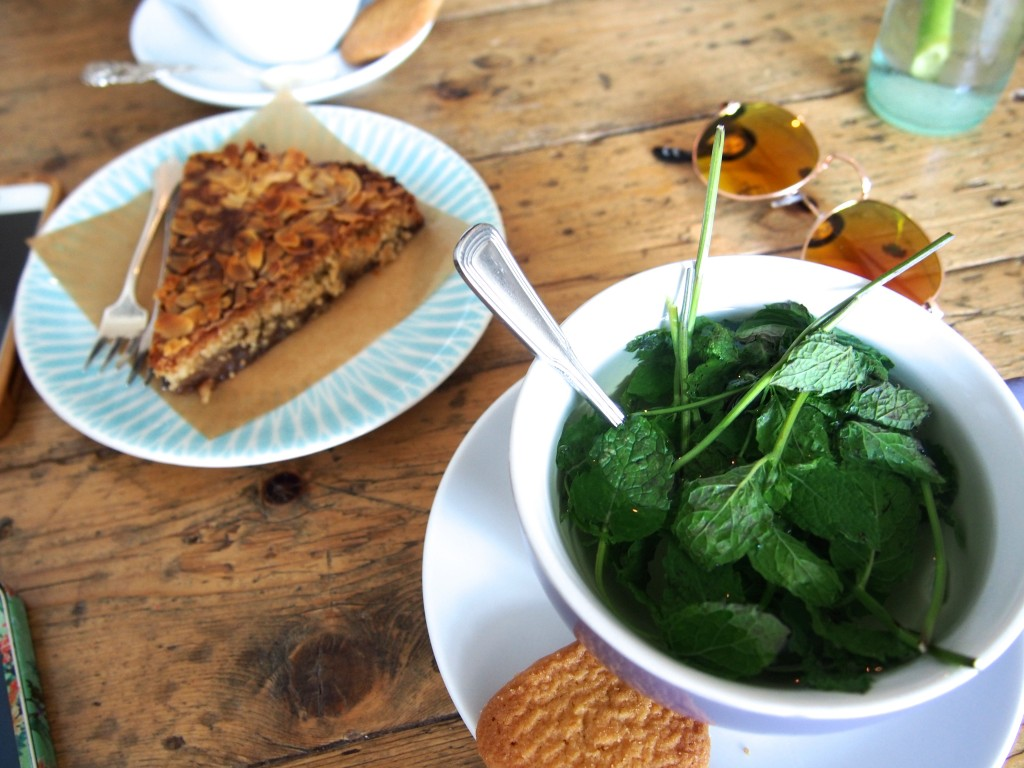 fresh mint tea and cake at Bairro Alto Nijmegen