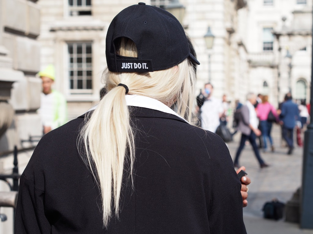 London Fashionweek Streetstyle blogger Joanne Christina Lewis