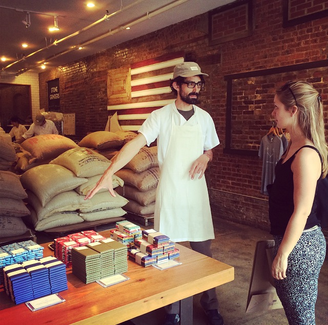 Mast Brothers Chocolate in Williamsburg, NY. High quality fairtrade chocola in een industriële omgeving