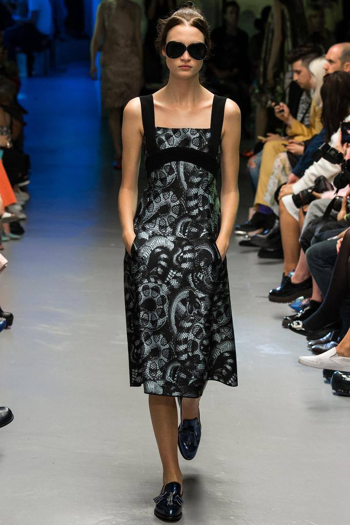 Model Lieke van Houten for Giles during London Fashionweek
