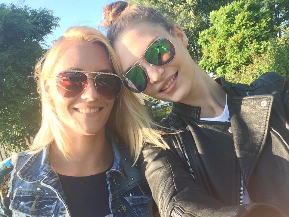 Lieke van Houten and sister