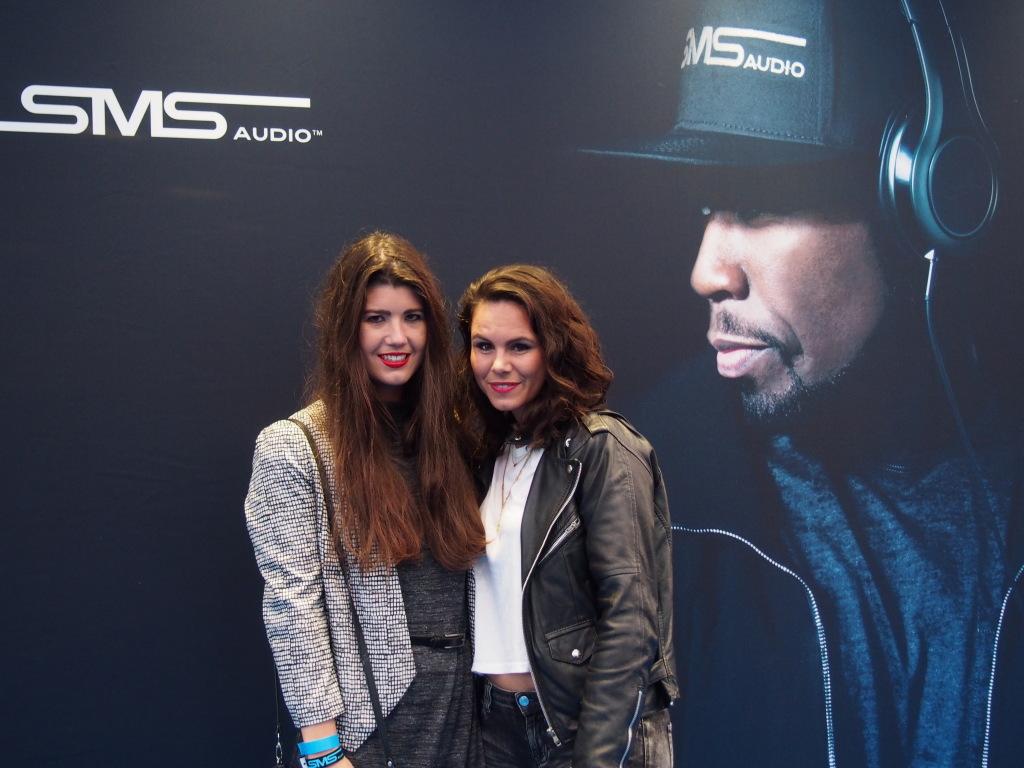 Blogger Fashionista Chloe en producer Coco Hermans bij de release party van SMS Audio by rapper 50 cent HMH Amsterdam