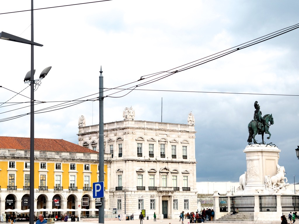 Lissabon trams Olympus PEN Generation Citytrip bij raça do Comércio
