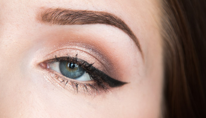 The Couture Splash - The Pop Water collection by YSL beauty blogger review  Full Metal Shadow in Onde Sable