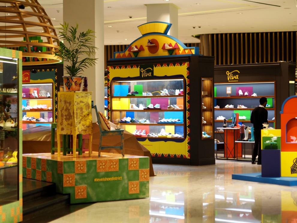LevelShoedistrict at Dubai Mall Dubai Meeting Point Dubai sunweb Citytrip things to do in Dubai