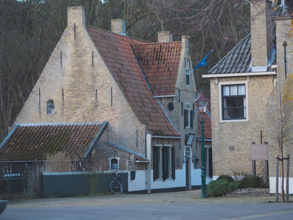 VLIELAND TRAVEL WEEKENDWEG.NL BADHOTELBRUIN BAD HOTEL BRUIN FASHIONBLOG TRAVELBLOG