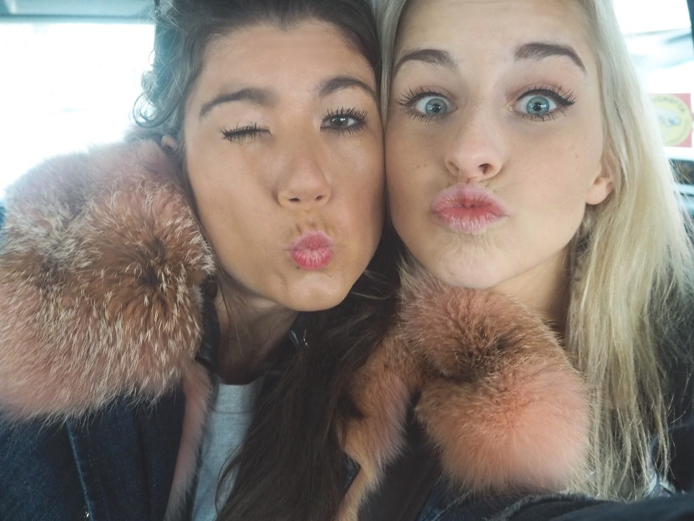 SELFIE with Caroline Daur CARODEUR FASHIONBLOGGER FASHION WEEK