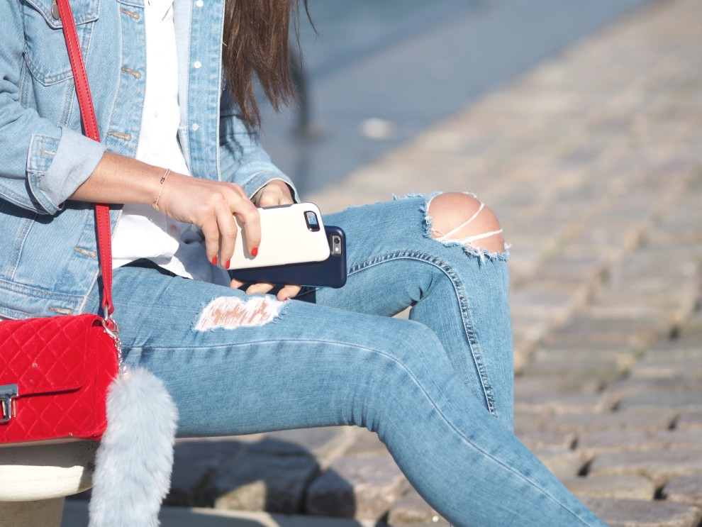 DENIM DAYS - DENIM LOOK WITH OTTERBOX