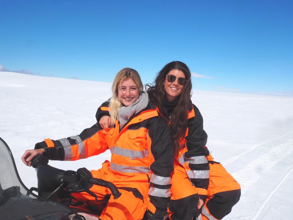 ICELAND TRAVEL FASHIONISTACHLOE SNOWMOBILE IJSLANDSPECIALIST