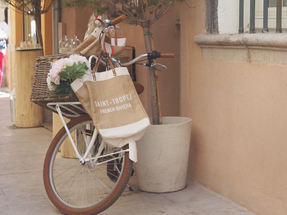 fashionista chloe Saint Tropez vintage markt