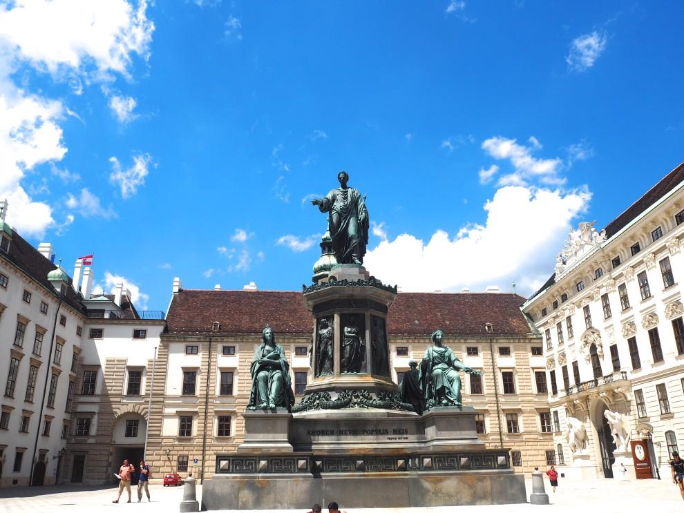 VIENNA TRAVEL TIPS TRAVELBLOGGER FASHIONISTA CHLOE