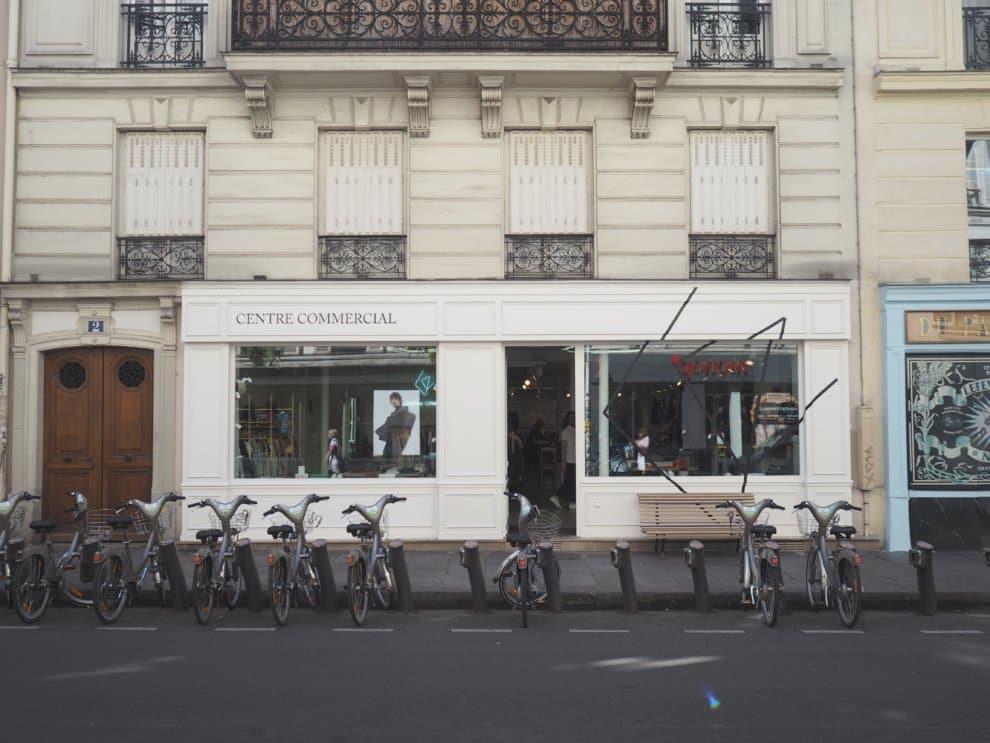 Centre Commercial 10e arrondisement Canal Saint Martin Parijs