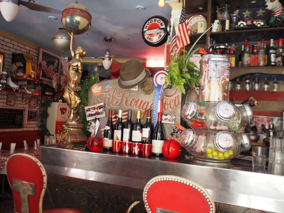 Le Fil Rouge Cafe 10e arrondisement Canal Saint Martin Parijs
