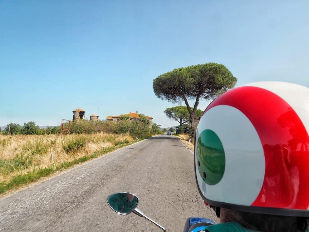 10x dit moet je doen in het Italiaanse Umbrie trasimeno meer scooter huren