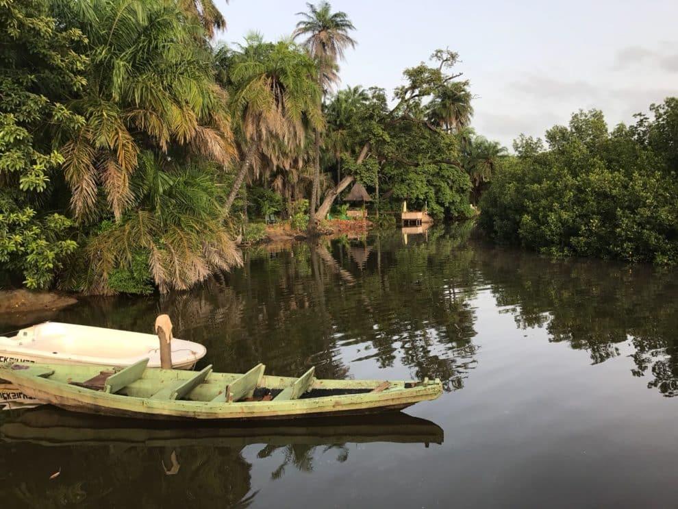 AbCa's Creek Lodge lodge (huisjes) in het binnenland van Gambia waar je kennis maakt met het traditionele leven en geniet van de natuur.AbCa's Creek Lodge lodge (huisjes) in het binnenland van Gambia waar je kennis maakt met het traditionele leven en geniet van de natuur.AbCa's Creek Lodge lodge (huisjes) in het binnenland van Gambia waar je kennis maakt met het traditionele leven en geniet van de natuur.