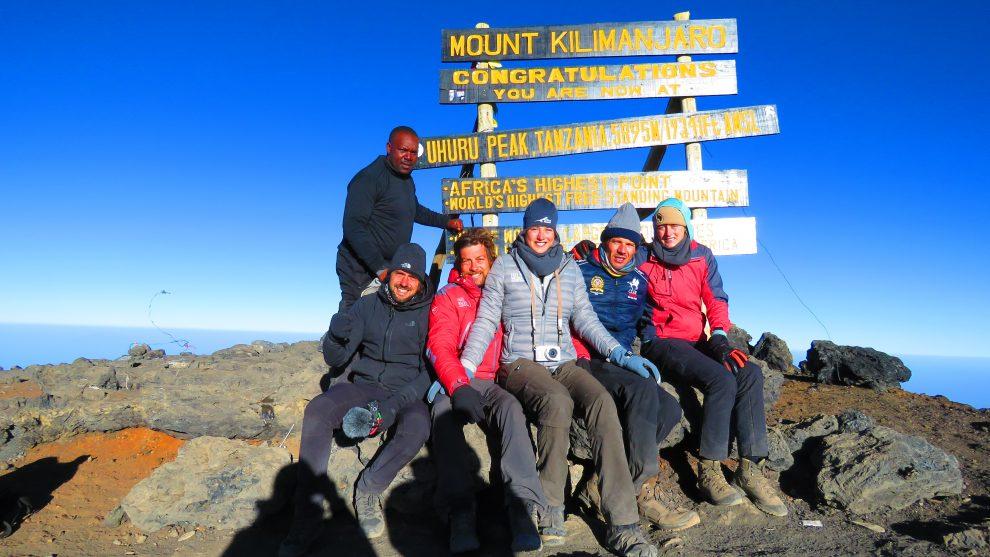 Maayke en Janneke Scherpenhuyzen Kilimanjaro Tanzania bekomen