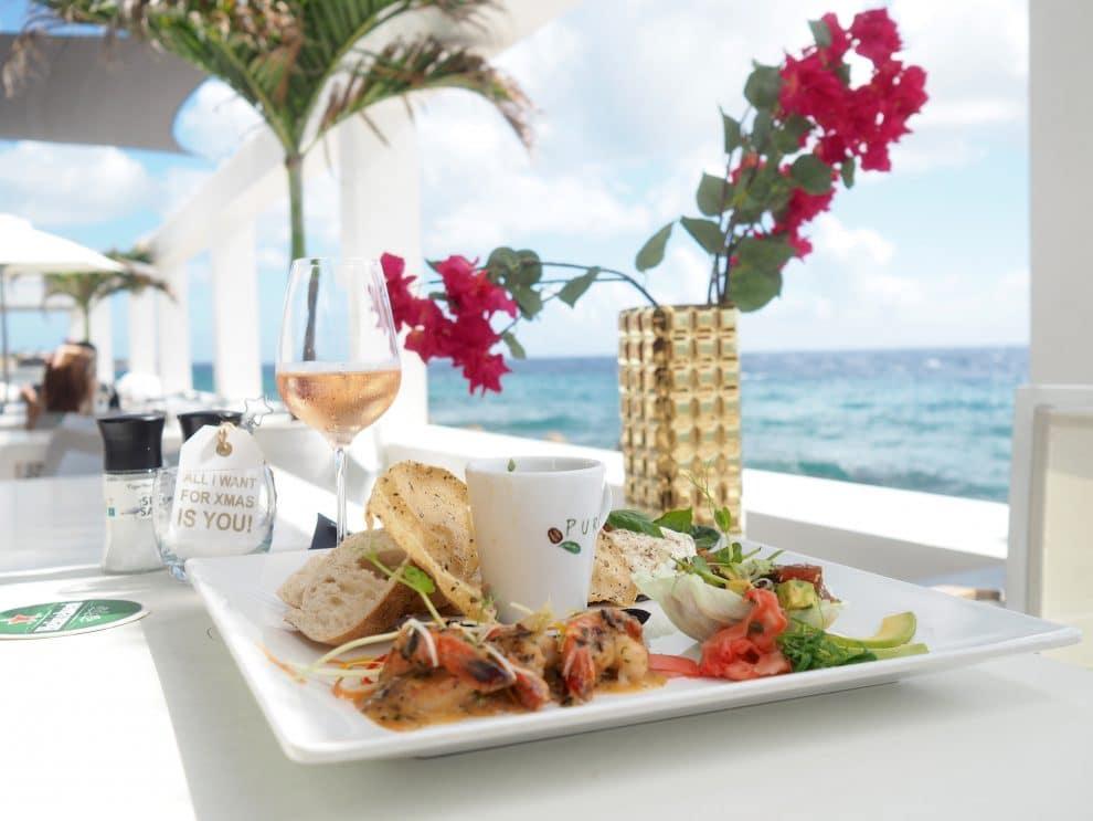 Saint Tropez Ocean Club Curaçao willemstad 7x eten in Curaçao.