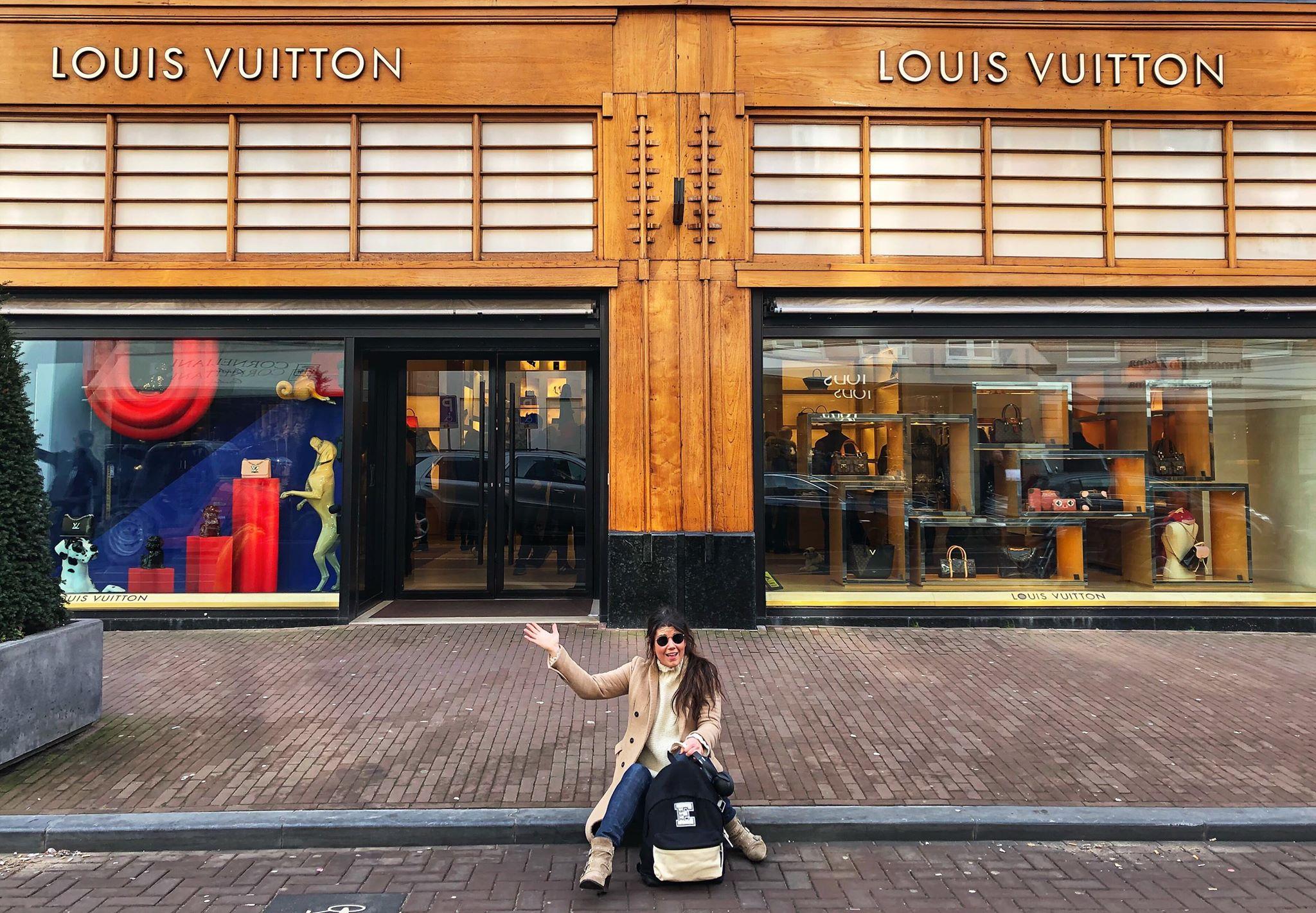 90c6ef76f8f Chanel tas kopen in PC Hooftstraat Amsterdam Chanel Store