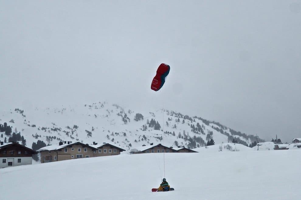 Skien in Obertauern Oostenrijk Snowkiten Tom Grond Travel Tom Tom