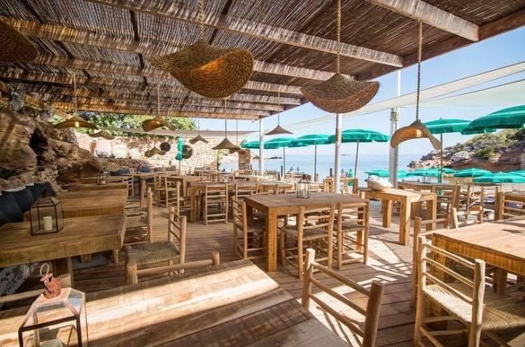 Cala Bonita stranden van Ibiza op vakantie in Ibiza