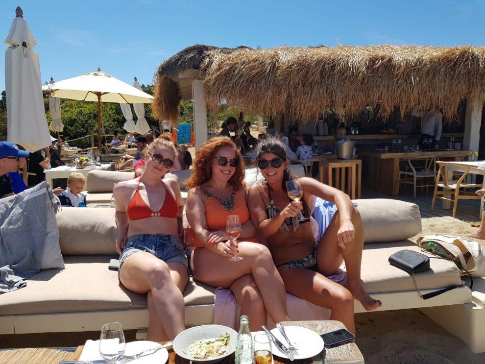 Es Cavallet, Il Chiringuito. lunchen op Ibiza vakantie op Ibiza tips