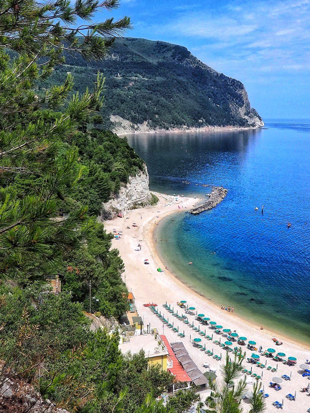 Wat te doen in regio De Marken Italie rondreis door Italie - Spiaggia Urbani- Sirolo