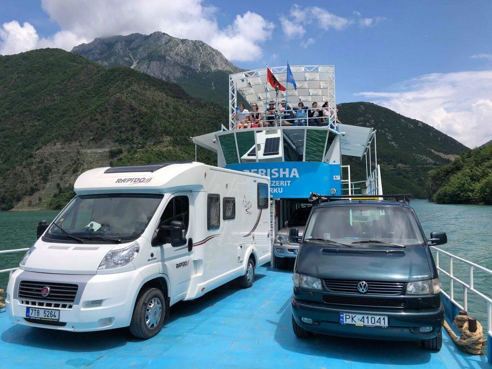 Rondreis door Noord Albanië - Lake Komani - Komani Lake Ferry Berisha