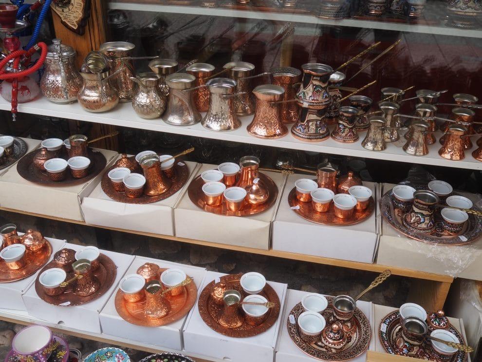 Citytrip Sarajevo Bosnische koffie drinken in de oude stad van Sarajevo