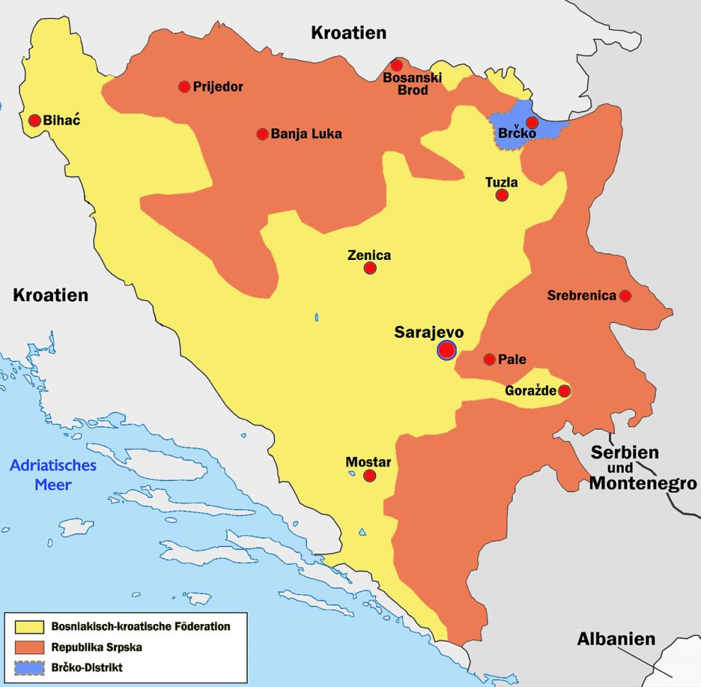 Kaart Bonsie & Herzegovina 2018 - De deelgebieden van Bosnië en Herzegovina, met Bosnië in het geel, de Servische Republiek in het rood en het district Brčko in het blauw.