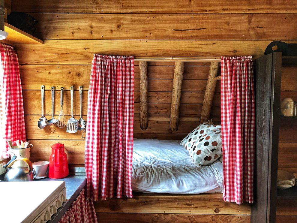 Origineel overnachten in een plaggenhut in Drenthe, Ruinerwold. De Pondspeer bij Toffe Peer
