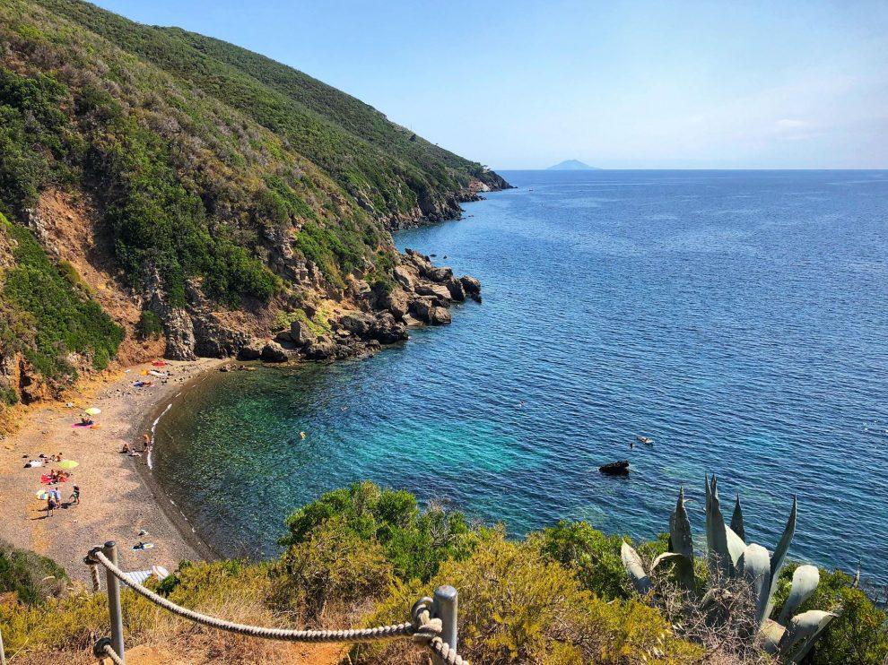 Lacona beach, Elba, Italie. Clamping op Elba, Spiaggia di Canata bereikbaar vanaf camping Stelle Mare