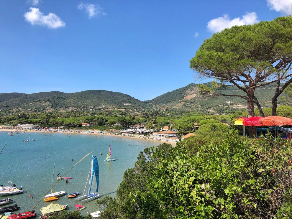 Lacona beach, Elba, Italie. glamping op Elba