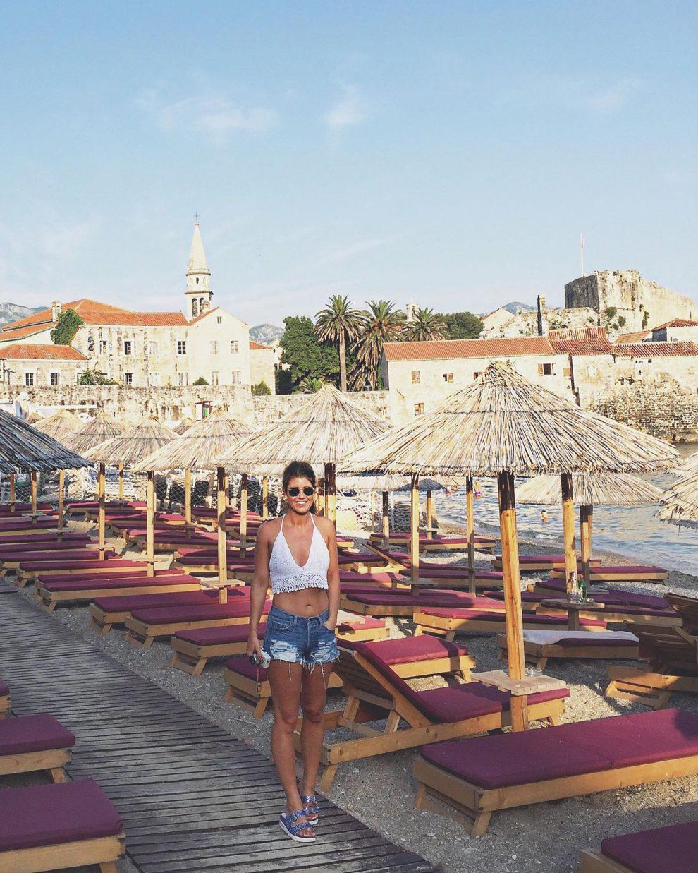 Budva Montenegro is de bekendste badplaats, maar ook erg toeristisch. Roadtrip door Montenegro