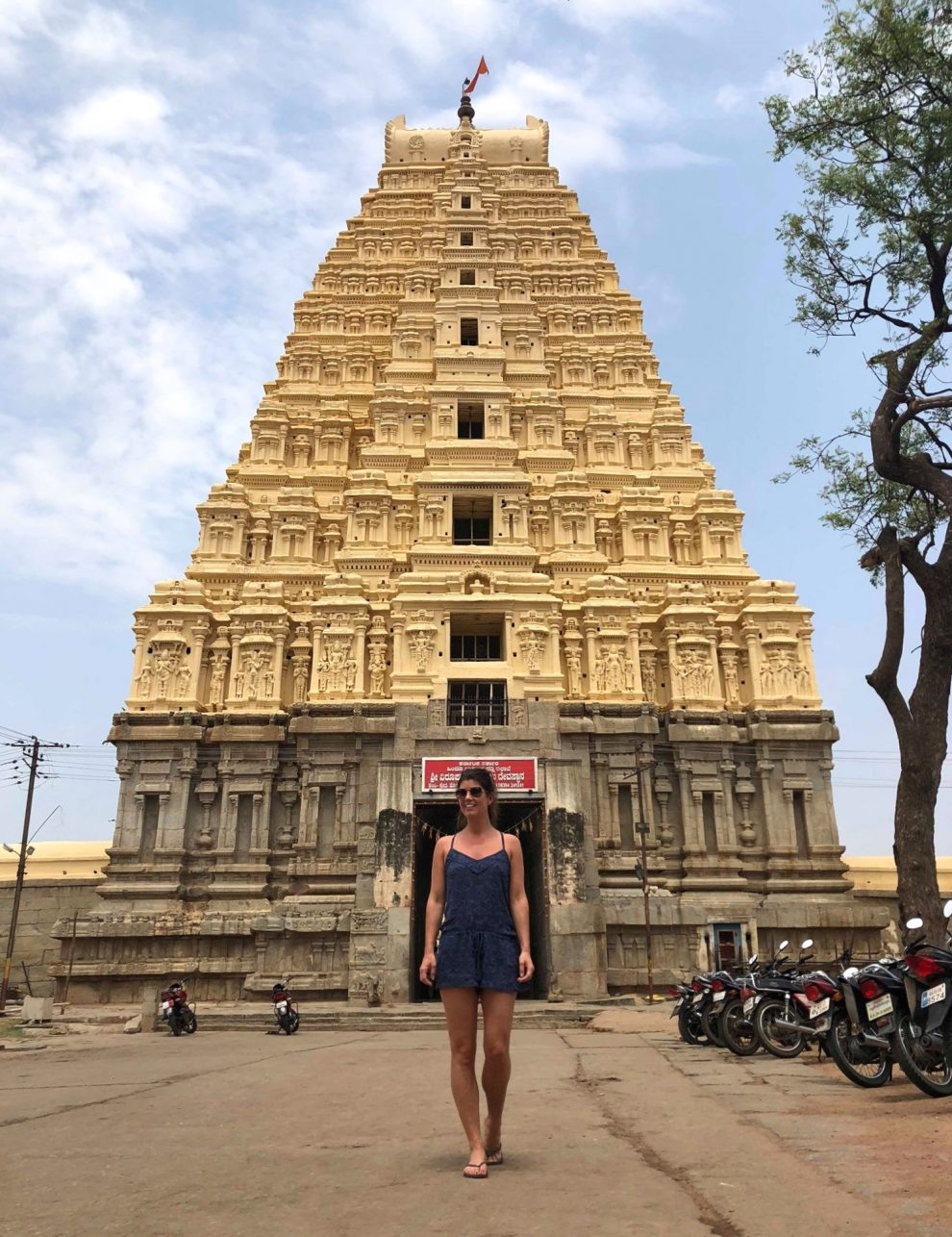 Reizen naar Hampi, Virupaksha Temple travel guide to Hampi India