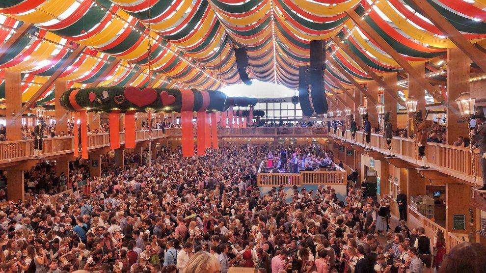 Oktoberfest München Duitsland, Biertenten SchützenFestzelt