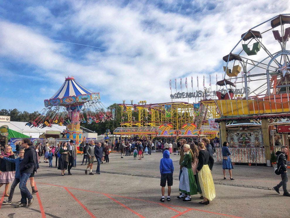 Oktoberfest München. het festival terrein met de kermis