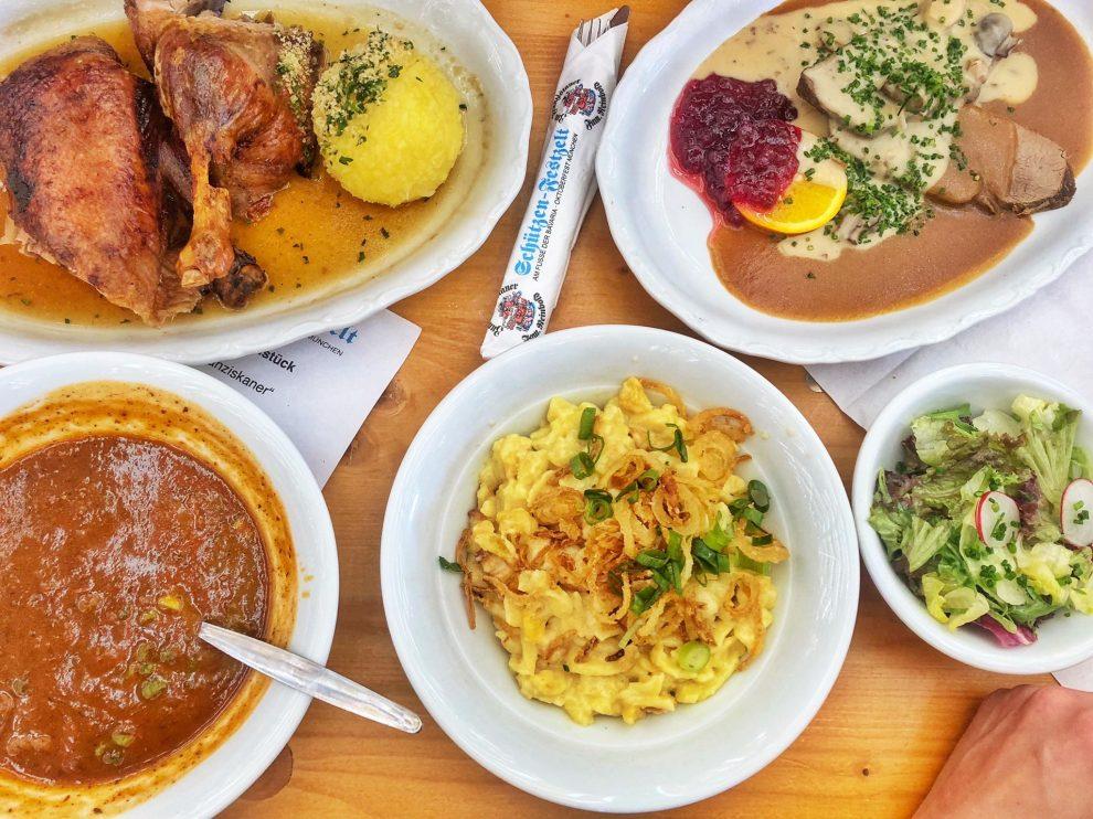 Oktoberfest München Duitsland, Biertenten Oktoberfest München Duitsland. Oktoberfest eten; geniet vanBeierse specialiteiten