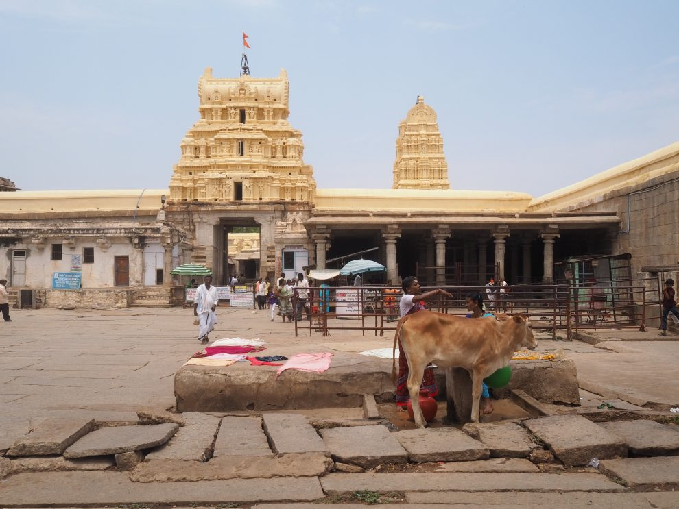 Reizen naar Hampi, Virupaksha Temple, Hampi Bazaar, travel guide to Hampi India