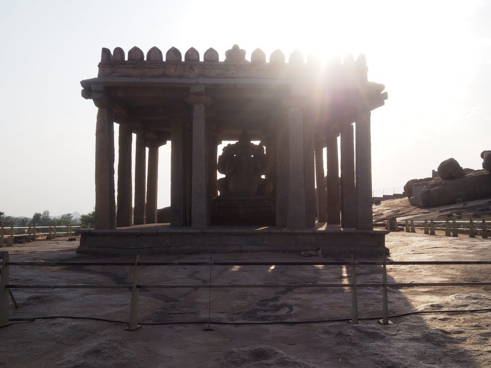 Reizen naar Hampi,Sasivekalu Ganesh, travel guide to Hampi India
