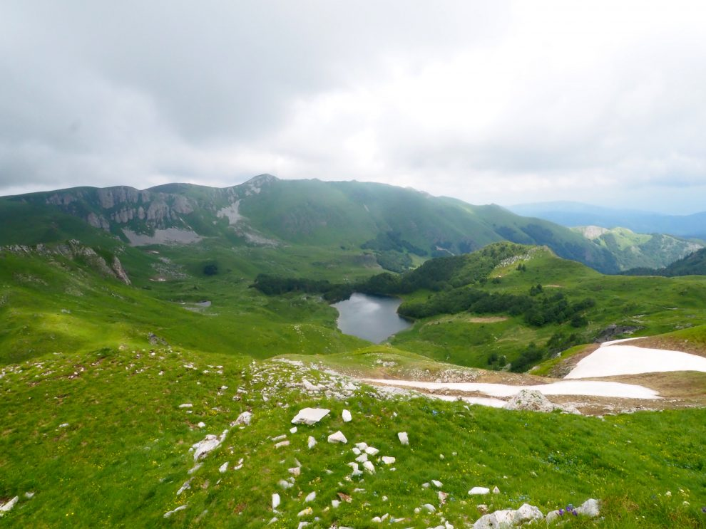 Kolašin Montenegro. Skien en wandelen in het noorden van Montenegro. Bijzonder overnachten bij Eko Katun Vranjak. Pešića Lake