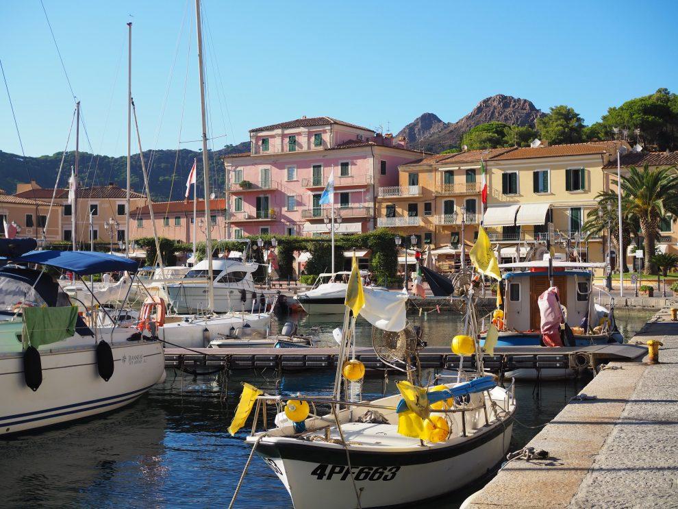 vakantie op Elba - dingen doen op Elba - de haven van Porto Azzurro
