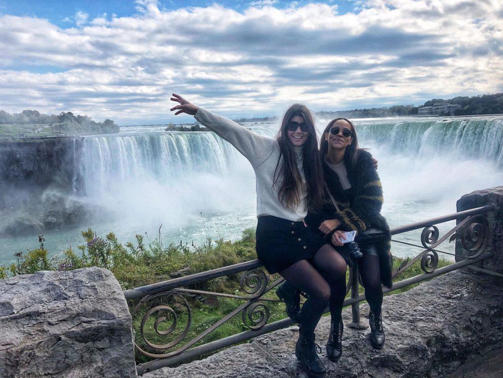 Citytrip Toronto. Bezoek aan de Niagara Watervallen. Amandine Hach en Chloe Sterk