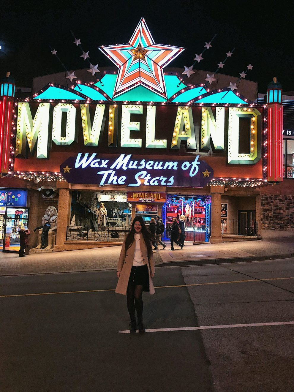 een bezoek aan de Niagara watervallen, tips. Niagara Falls. Clifton Hill, Movieland Wax Museum of The Stars.