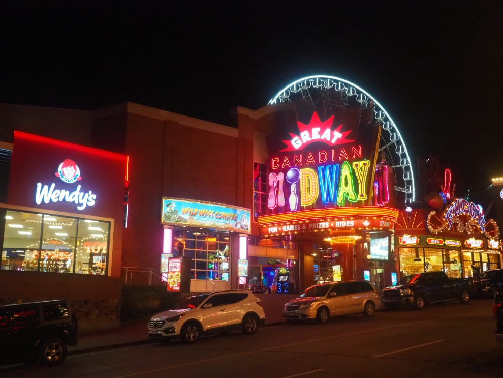 een bezoek aan de Niagara watervallen, tips. Niagara Falls. Clifton Hill, Great Canadian Midway