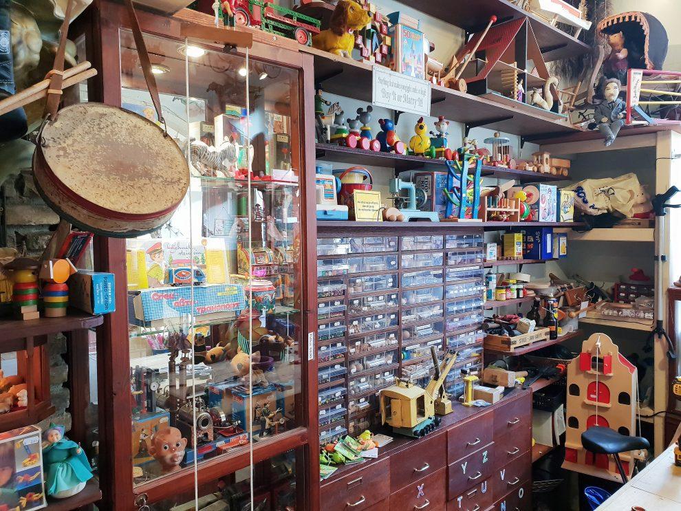 vintage winkels in Tilburg Het Zingende Nijlpaard