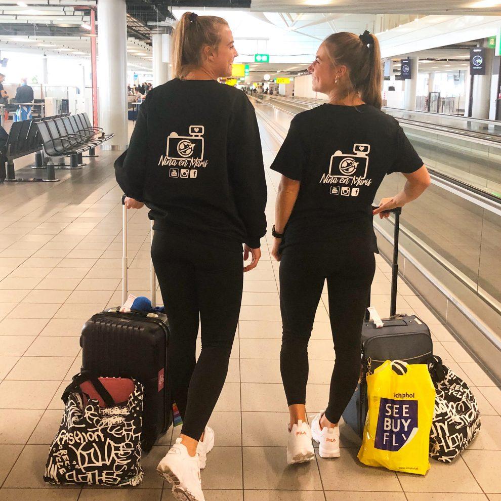 Werken in Australië Nina en Maris vertrek Schiphol