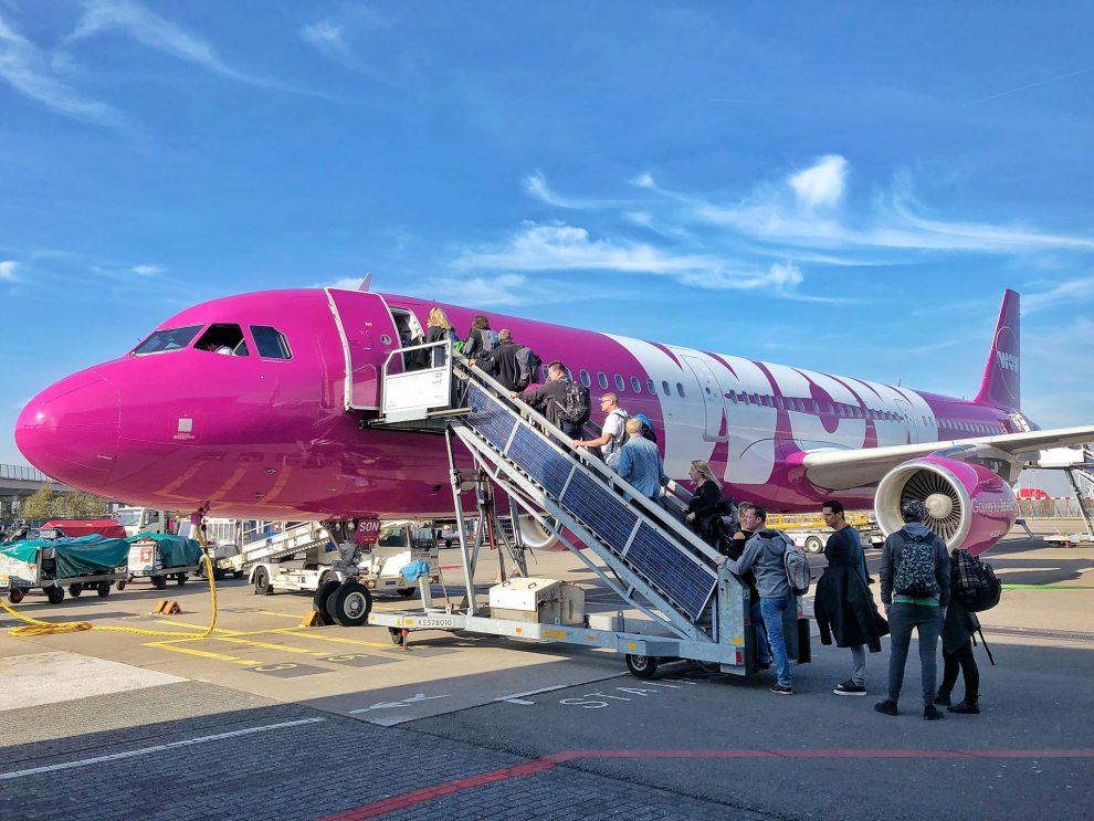 Met WOW air naar Canada stopover op IJsland Chloe Sterk Keflavik Airport